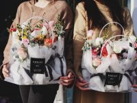 Flowers for Your Favourite Folks: A Buying Guide